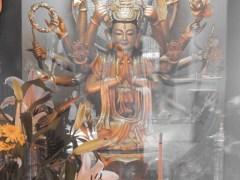 in-einem-buddhistischen-tempel-1