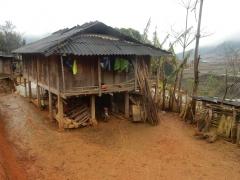 haus-bei-den-hmongs-2