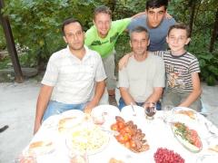 azer-und-family