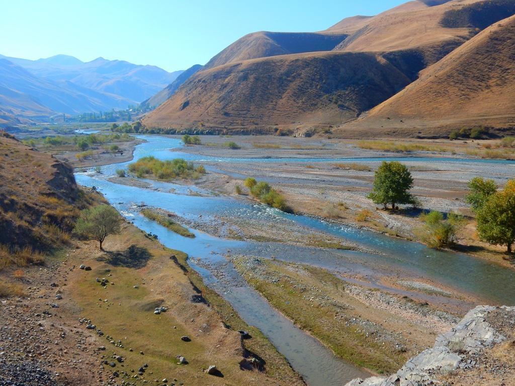 entlang-des-gulcha-rivers-1