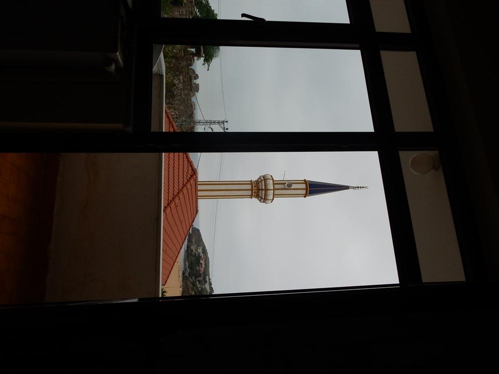 in-riva-blick-zu-unserem-hotelfenster-hinaus