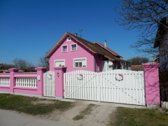 hello-kitty-haus