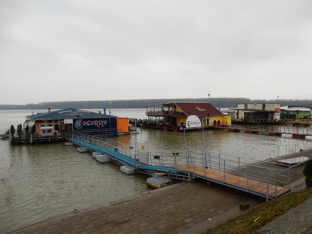 belgrad-schwimmende-restaurants