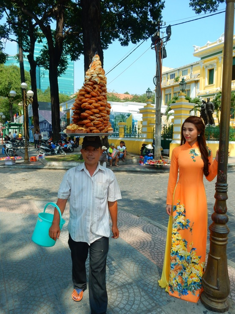 ho-chi-minh-city-street-life