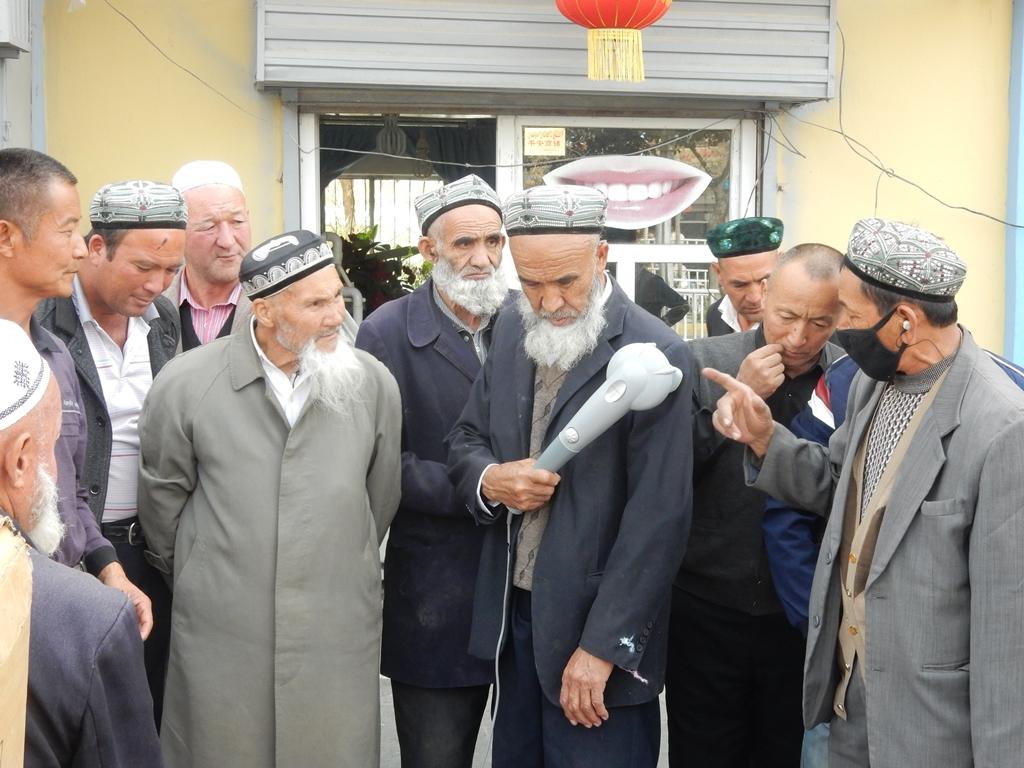 Kashgar Bazar 4 ein Kleidersauger