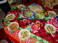 Bei Tais Familie leckeres Essen 1